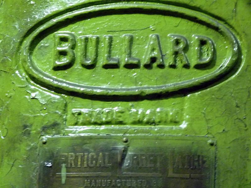 "A piece of equipment manufactured by the Bullard Company in the USA in 1937, still in use today.   Станок ""Буллард"" американского производства 1937 года на заводе ""Протон-ПМ"" всё ещё успешно работает."