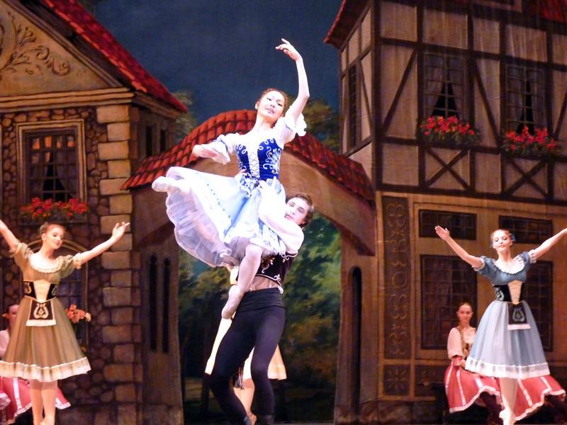 """Performance of the ballet """"Coppélia"""". The prima-ballerina is a Japanese girl studying in Perm.  """"Коппелия"""" Делиба в Пермском театре оперы и балета. Любопытно, что главную партию танцует японка, живущая в Перми."""