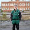 г. Соликамск. Только выбрался из шахты. Позади - здание гимназии. <br /> <br /> In miner's gear in front of the Solikamsk Gymnasium.