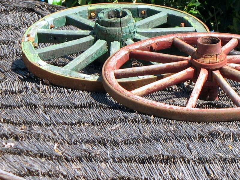 Wagon wheels on the roof of the café.