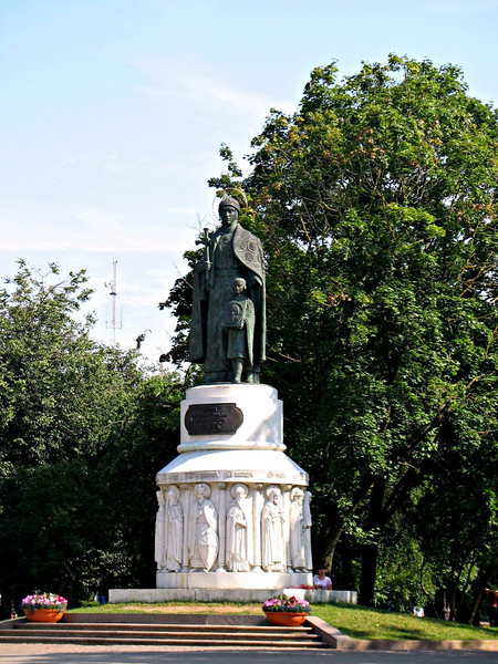 Monument to princess Olga, founder of the city of Pskov. According to legend, Olga saw three rays descending from the sky and ordered the town to be built.