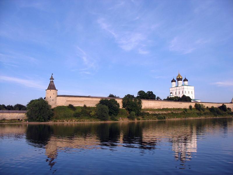 Velikaya reflection. Pskov Kremlin & Trinity Cathedral.