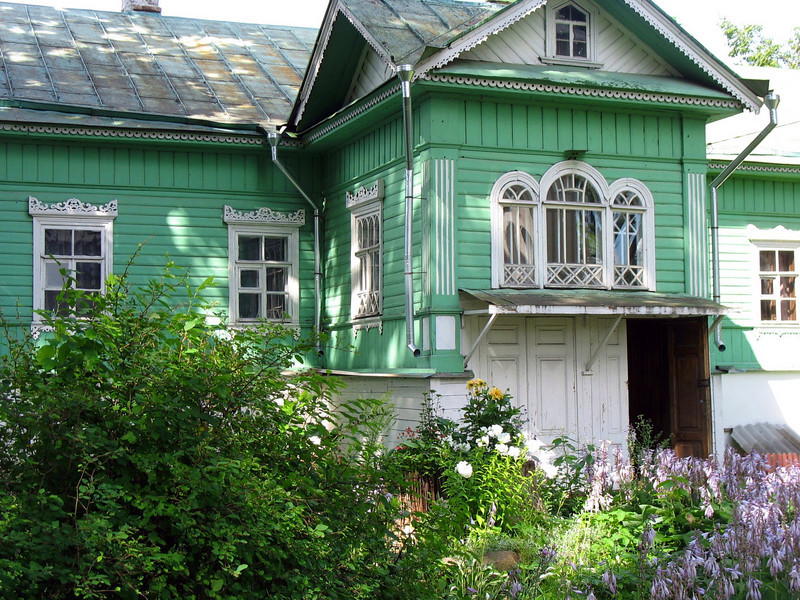 Home on the grounds of the Mirozh Monastery.