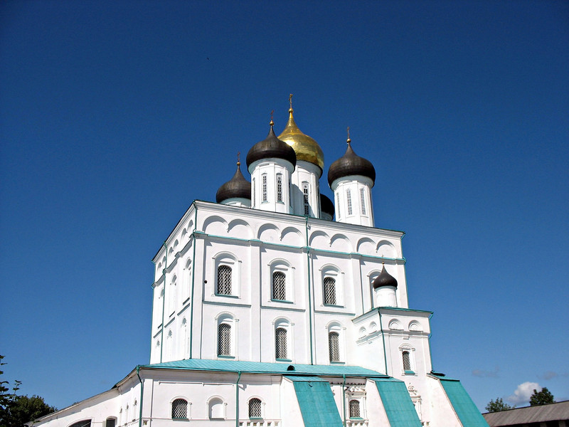 Trinity Cathedral sits on the site of the original Kremlin church. This Cathedral was built beginning in 1691 and consecrated in 1699. It's 256 feet (78 meters) tall.