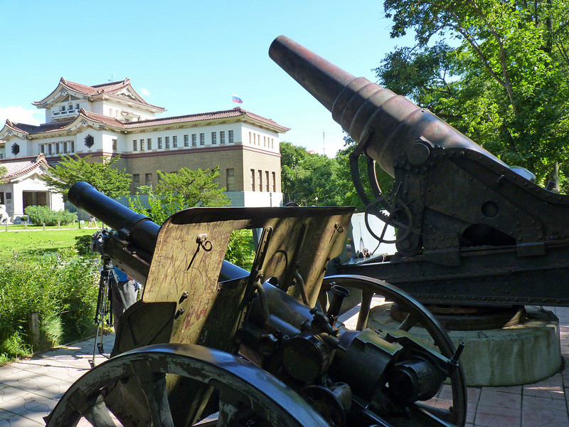 Russian & Japanese canons side by side.
