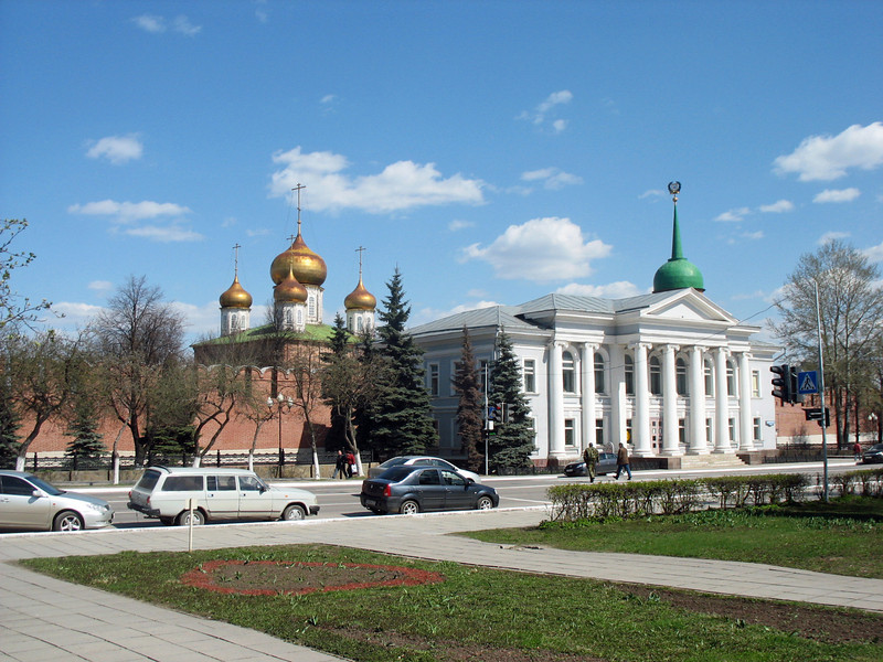 The domes of Tula's central square.