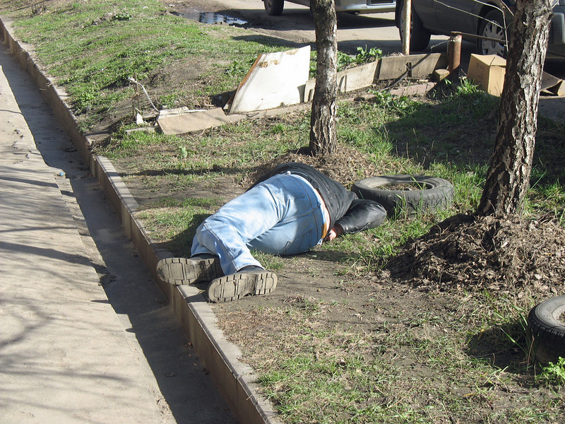 Passed out drunk on the streets of Tula.