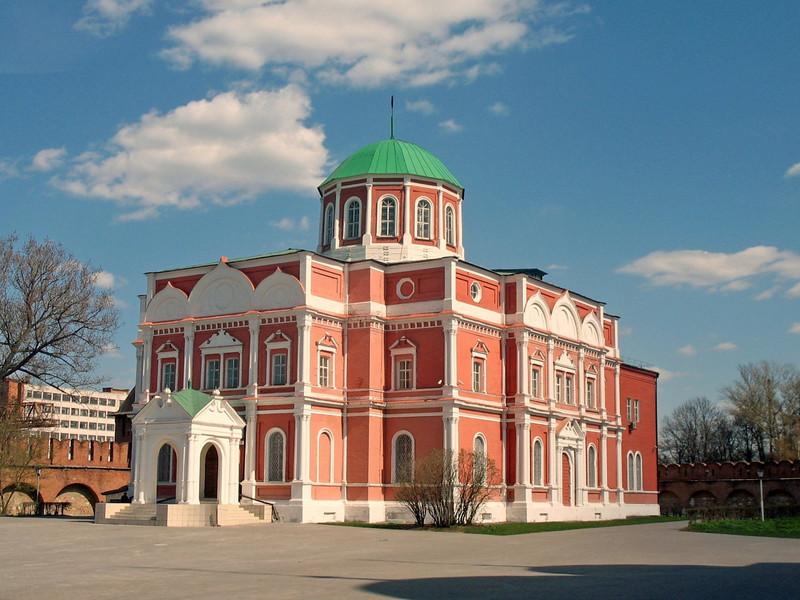 Arms Museum inside the Kremlin walls.