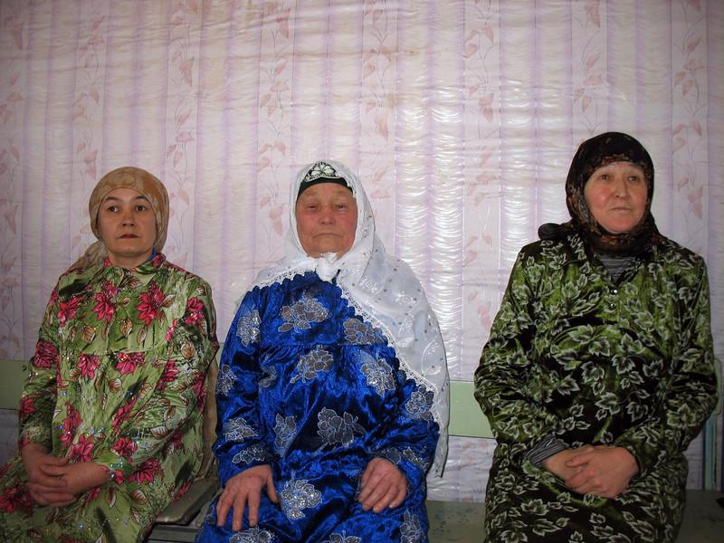 Tatar women in Laytamak' village mosque.