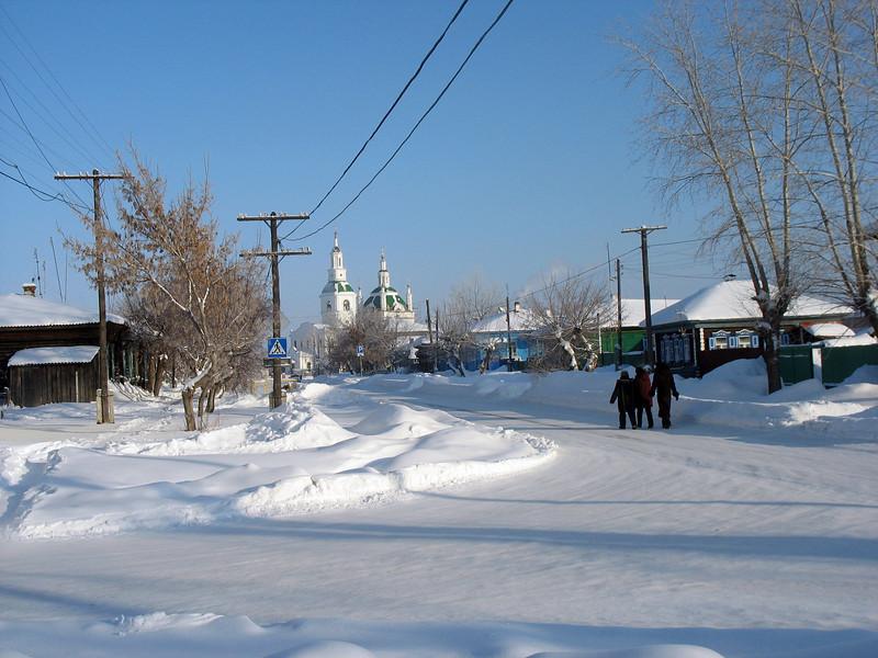 Kids on the street in Yalutorovsk. (Tyumen Region, Siberia)