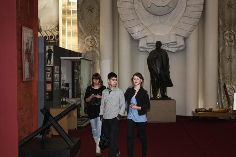 И Ленин - такой молодой, и юный, Октябрь впереди! Visitors at the Lenin Museum.