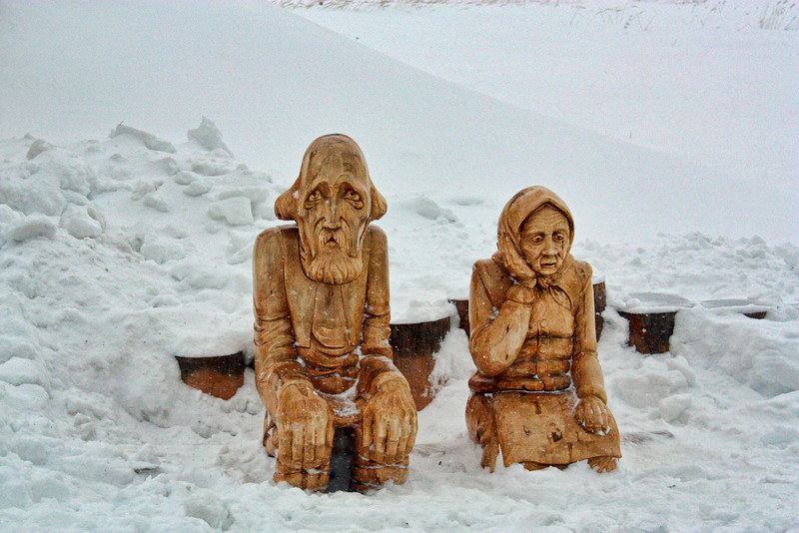 The Bun's sad grandparents. Колобок убежал от дедушки и бабушки.