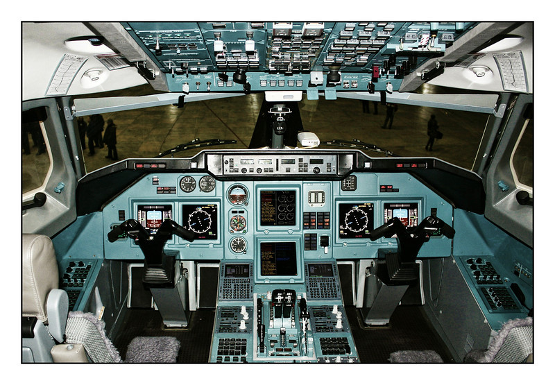 Cockpit of a Tupolev Tu-204 manufactured by Aviastar-SP.