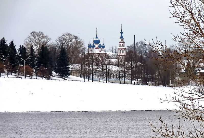 Church of St Demetrius of the Spilled Blood viewed from the Volga River. (Uglich)