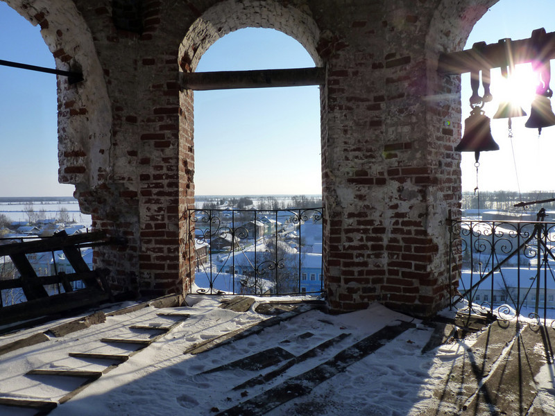 Vyatskoe church bell tower. Колокольня церкви в селе Вятское.