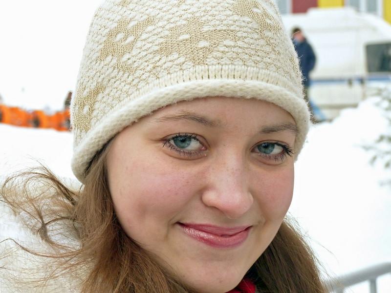 Диана, юнкор из Ярославля.<br /> Diana, a young lady from Yaroslavl, enjoying the World Cup.
