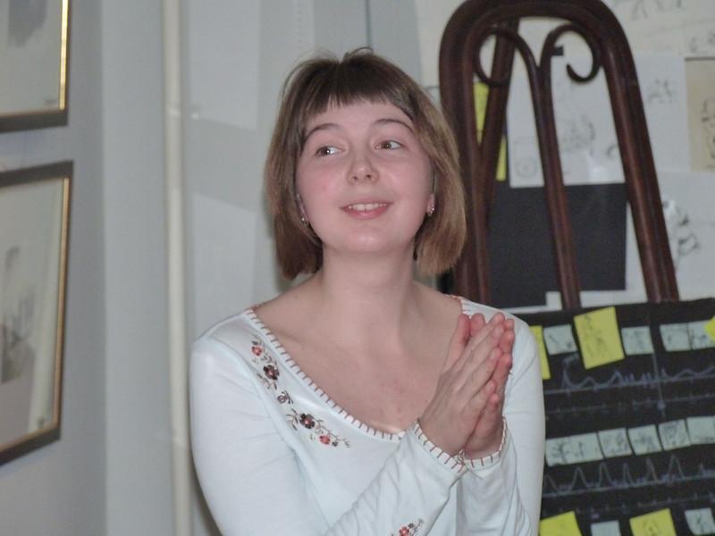 One of Alexander Petrov's students listening to the master.<br /> Наталья Павлычева, ученица Александра Петрова.