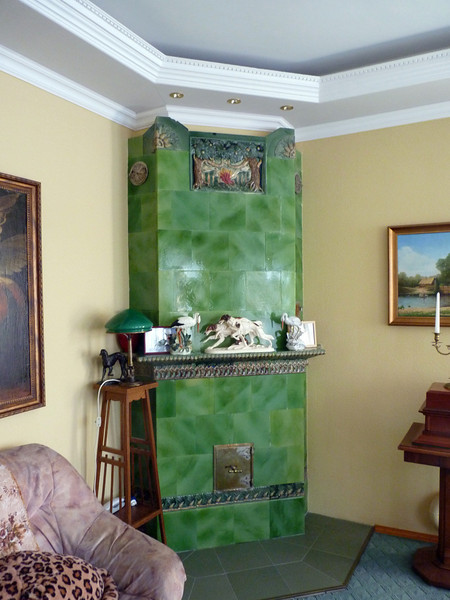 Old style Russian stove in Vyatskoe.
