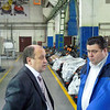"Talking with the boss, Valeriy Karavaev, director of Russkaya Mechnika.  Слева-директор ОАО ""Русская механика"" Валерий Караваев."