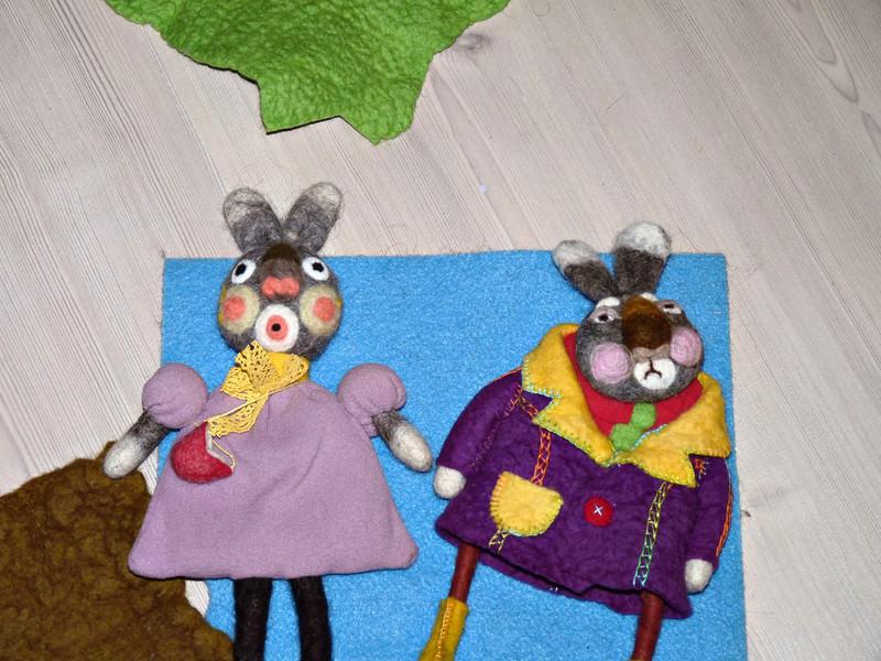 """Funny bunnies at the Funny Felt Company. (Rybinsk)<br /> Войлочные зайцы. (Рыбинск, фирма """"Весёлый войлок"""")"""