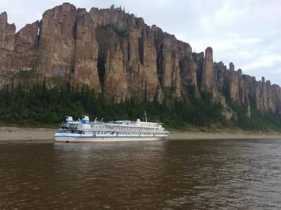 Круиз на теплоходе «Михаил Светлов» по сибирской реке Лена