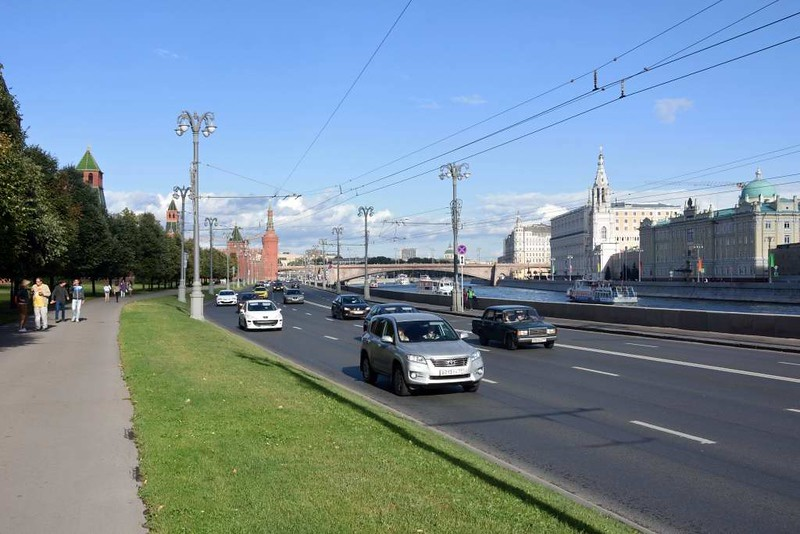 Kremlin embankment, Moscow, 28 August 2015.  Looking east, with the Kremlin on the left.