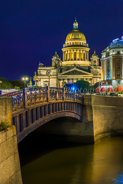 The St. Isaac's Cathedral illuminated at night in St. Petersburg, RUssia.
