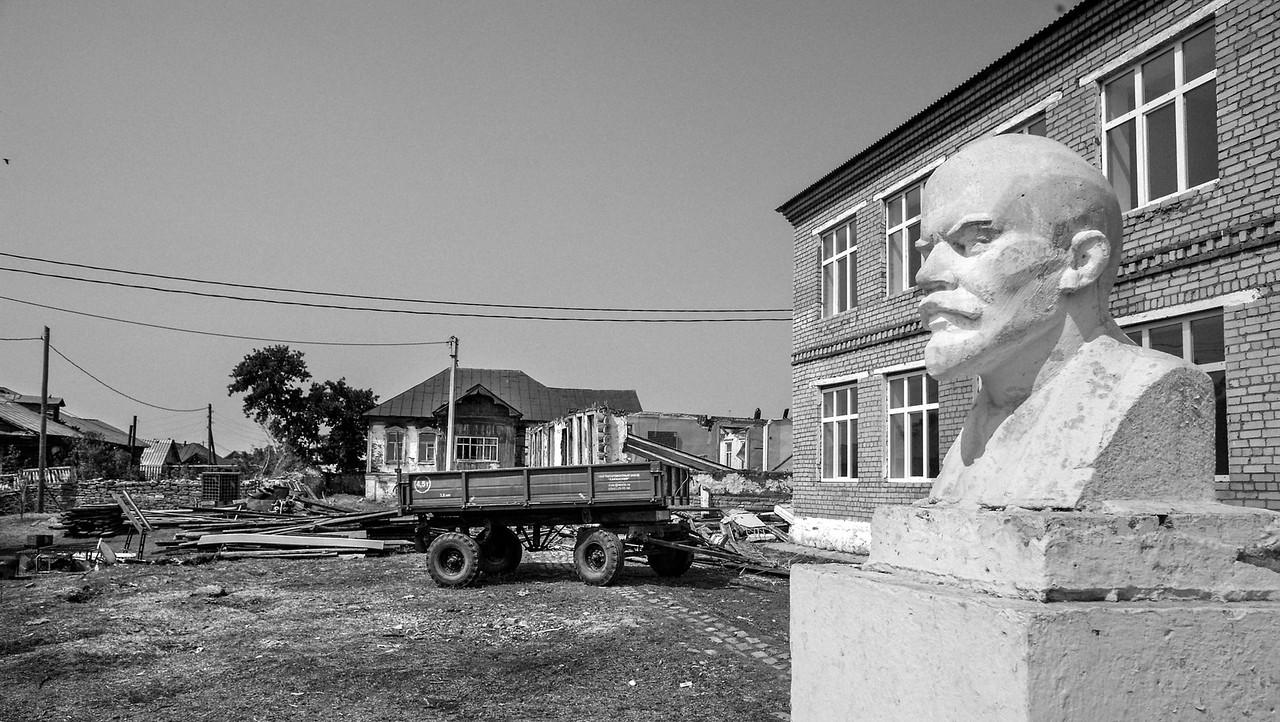 Lenin overlooking his heritage
