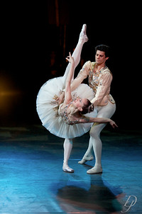 Diamonds Adagio - Marianela Nunez and Thiago Soares