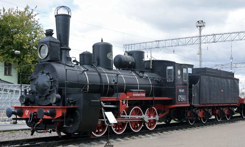 Class Ov 0-8-0 841, Rizhskiy railway museum, Moscow, 30 August 2015 1.  About 3650 class Ov compound locos were built.  They were nicknamed Ovechka (Little lamb).  There were about 8500 class O 0-8-0 locos of all types in total, built 1897 - 1928.