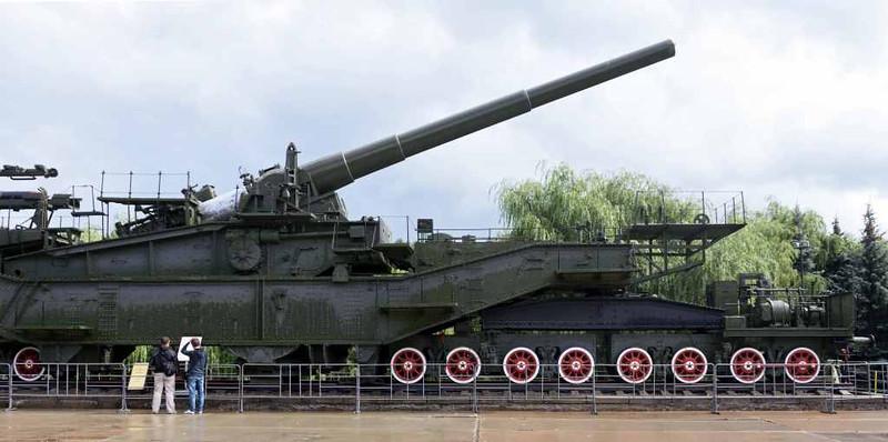 TM-3-12 railway gun, Great Patriotic War Museum, Moscow, 29 August 2015 3.