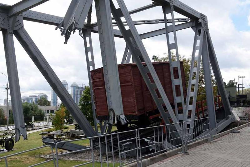 Wrecked railway bridge, Great Patriotic War Museum, Moscow, 29 August 2015 1.