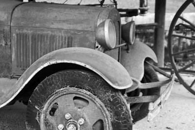 Old Model T Fire Truck Some photos just scream for Black and White! These Mississippi Delta photos are no exception. Southern transportation comes in all forms. From tractors to mules, from trains to boats!