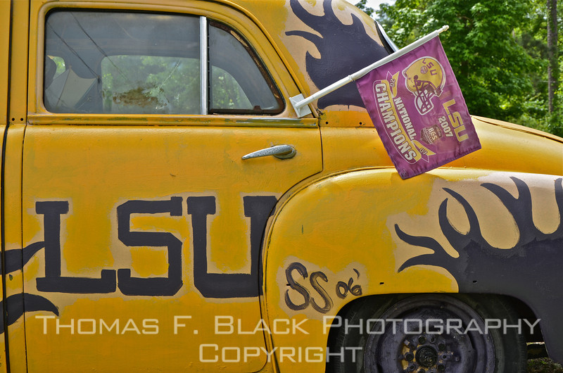 LSU won NCAA national championship in football in 2007, hence the flag. [UFP050811]