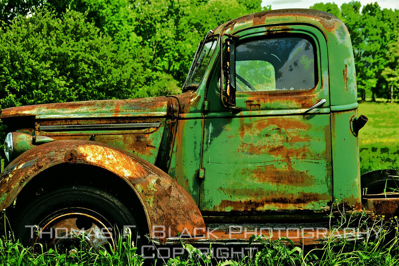 This and frame following, old truck put out to pasture in Vermont. No discernible indication of make. May be late 1940s International Harvester. [UFP053010]