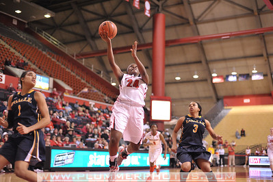 Rutgers guard, SHAKEENAH RICHARDSON (24), drives to the basket against La Salle University in a game at the Rutgers Athletic Center in Piscataway, New Jersey.