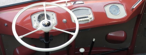 Gene's '54 Deluxe Barndoor