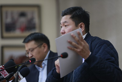 2020 оны аравдугаар сарын 8. Хан-Уул дүүргийн иргэд тус дүүргийн Засаг даргын олгосон газрын зөвшөөрлийн талаар мэдээлэл хийлээ.  ГЭРЭЛ ЗУРГИЙГ Д.ЗАНДАНБАТ/MPA