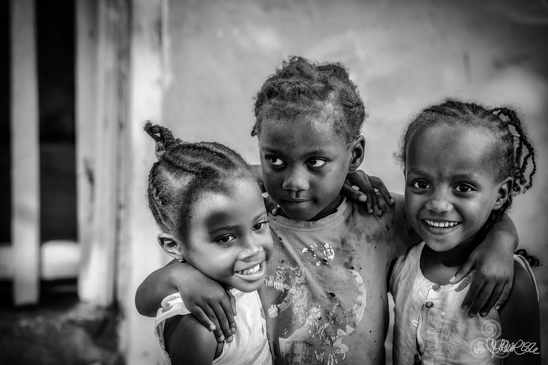 Little girls of Porto Abade, Principe