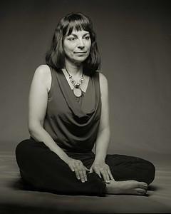 Angèle Lux, Poète / Poet  (2011)