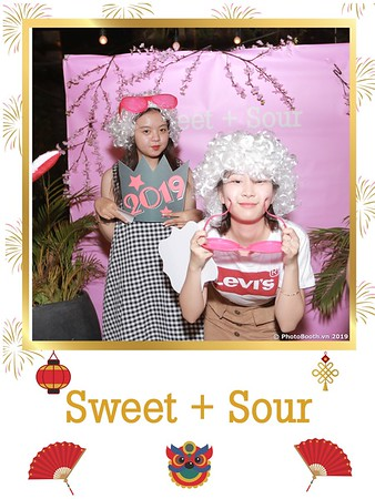 Sweet-and-Sour-S+S-Year-End-Party-instant-print-photobooth-in-Thao-Dien-Saigon-chup-anh-in-hinh-lay-lien-tiec-Tat-tien-tai-TP-HCM-WefieBox-Photobooth-Vietnam-23