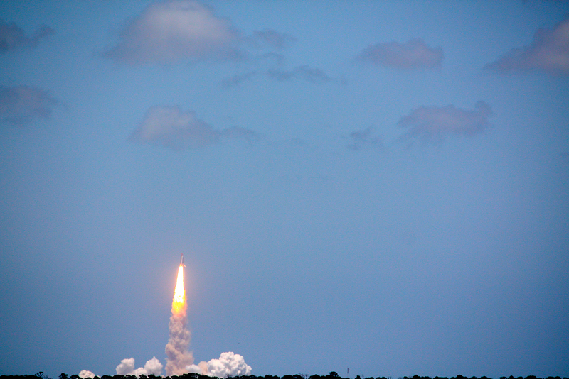 2010-05-14 STS132 Atlantis Launch.jpg