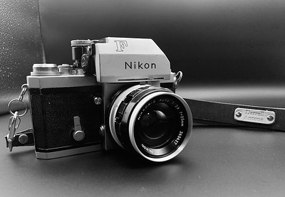 Nikon F Photomic with FTN Viewfinder
