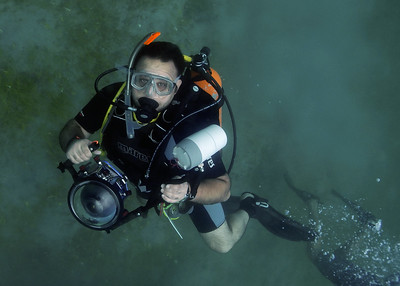 Edmond Terakopian photographing the Extreme Poker Underwater Tournement, St Kitts, Carebbean. Photos: Eric D Harkins