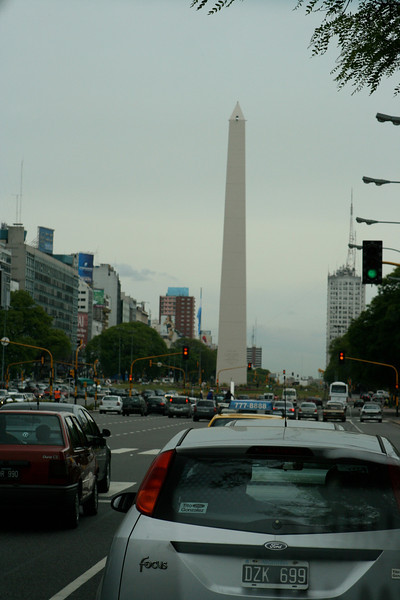 Obelisco de Buenos Aires  is a national historic monument and icon of Buenos Aires built in 1936. Located in the Plaza de la República, in the intersection of avenues Corrientes and 9 de Julio, it was built to commemorate the fourth centenary of the first foundation of the city