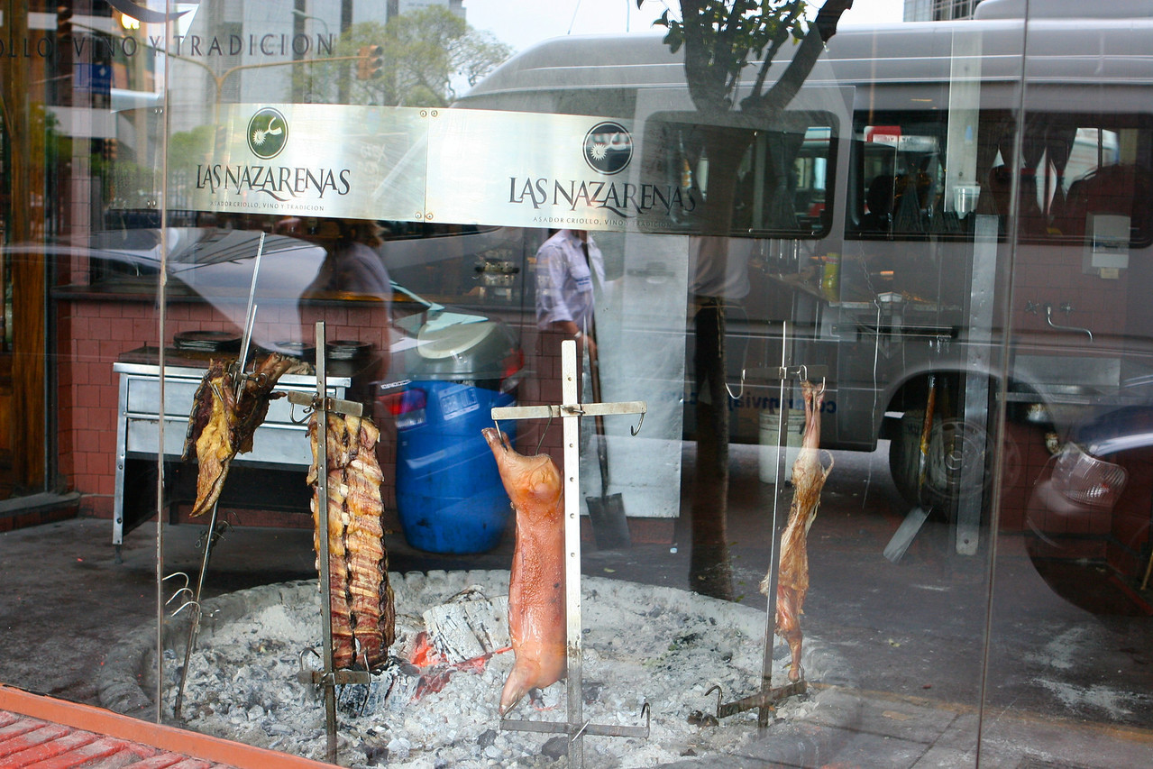 Las Nazarenas is one of the most traditional grills in Buenos Aires.  Located in the heart of Retiro neighborhood, Las Nazarenas opened in 1981 . Its name refers to the spurs the gauchos use on festive occasions
