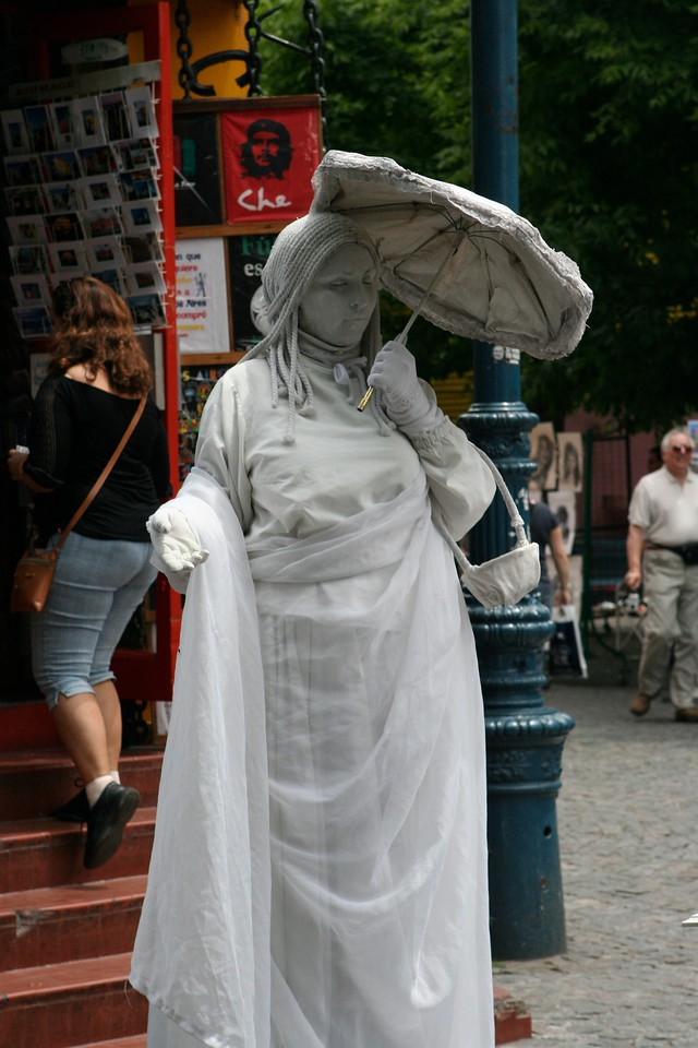 Street performers can be found all over Buenos Aires, including in LaBoca.