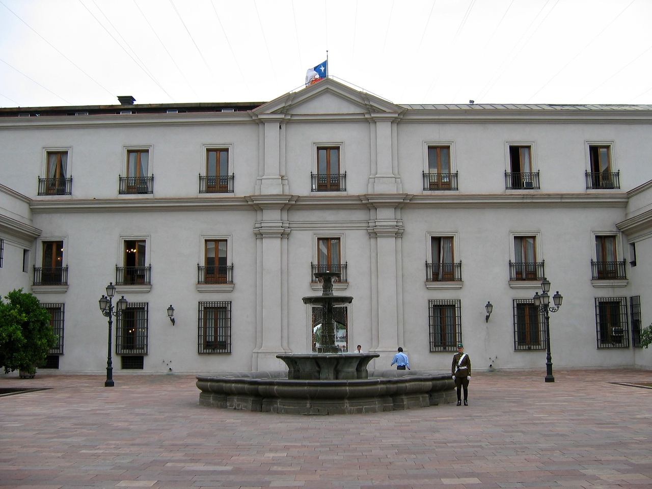 The ornate neoclassical building was designed by Italian architect Joaquín Toesca in the late 18th century, and was originally the official mint – its name means 'the coin.'