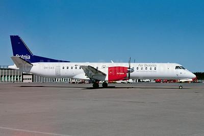 Air Botnia - Well connected with SAS SAAB 2000 OH-SAS (msn 044) ARN (Ton Jochems). Image: 952748.