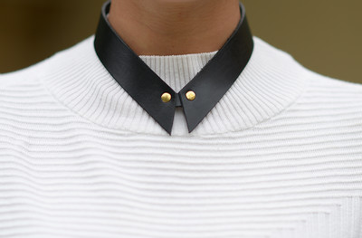 SHIRT  NECKLACE